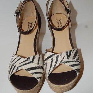 New Arizona High Heel Wedge Tribal Print Sandals